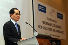 Singapore's Minister for Trade and Industry, Lim Hng Kiang delivers keynote speech